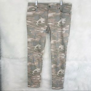 Ann Taylor Loft Camo Relaxed Skinny Jeans Sz. 10